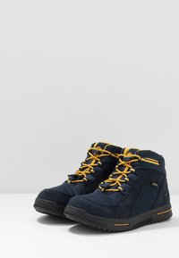 Timberland - CITY STOMP BUNGEE MID GTX - Lace-up ankle boots - navy - 3