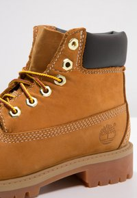 """Timberland - 6"""" PREMIUM  - Lace-up ankle boots - wheat - 5"""