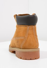 """Timberland - 6"""" PREMIUM  - Lace-up ankle boots - wheat - 3"""