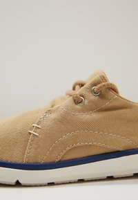 Timberland - GATEWAY PIER OXFORD - Casual lace-ups - medium beige - 2
