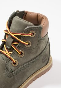 Timberland - CASUAL POKEY PINE 6IN BOOT WITH SIDE ZIP - Lace-up ankle boots - dark green - 2