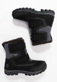 Timberland - CHILLBERG 2-STRAP GTX - Winter boots - black - 0