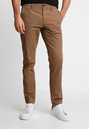 SARGENT LAKE STRETCH - Chinos - cub