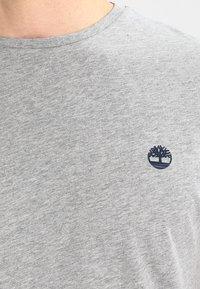 Timberland - CREW CHEST - Basic T-shirt - grey heather - 3