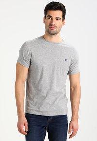 Timberland - CREW CHEST - Basic T-shirt - grey heather - 0
