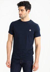 Timberland - CREW CHEST - T-shirt basic - dark sapphir - 0