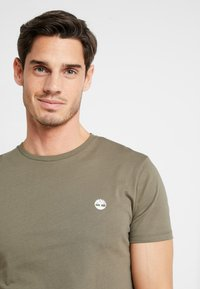 Timberland - CREW CHEST - T-Shirt basic - grape leaf - 3
