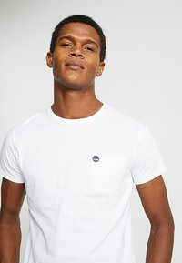 Timberland - DUNSTAN RIVER POCKET SLIM TEE - T-shirt basic - white - 4