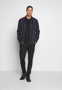 Timberland - DUNSTAN RIVER POCKET SLIM TEE - Basic T-shirt - black - 1
