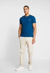 Timberland - DUNSTAN  - T-shirt basic - gibraltar sea - 1