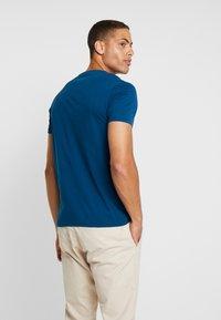 Timberland - DUNSTAN  - T-shirt basic - gibraltar sea - 2