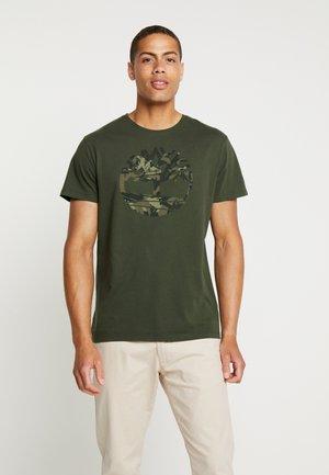 KENNEBEC RIVER SEASONALBRAND REGULAR TREE TEE - T-shirt imprimé - duffel bag
