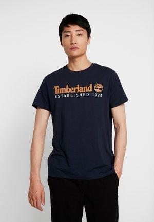 ESTABLISHED TEE - T-shirt con stampa - dark sapphire