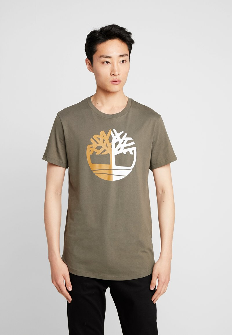 Timberland - TREE LOGO TEE - Print T-shirt - grape leaf