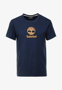 Timberland - STACK LOGO TEE - Printtipaita - dark sapphire - 4