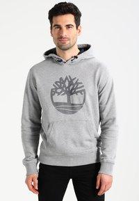 Timberland - TREE LOGO - Hoodie - medium grey heather - 0