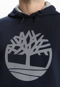 Timberland - TREE LOGO - Felpa con cappuccio - dark sapphir - 4