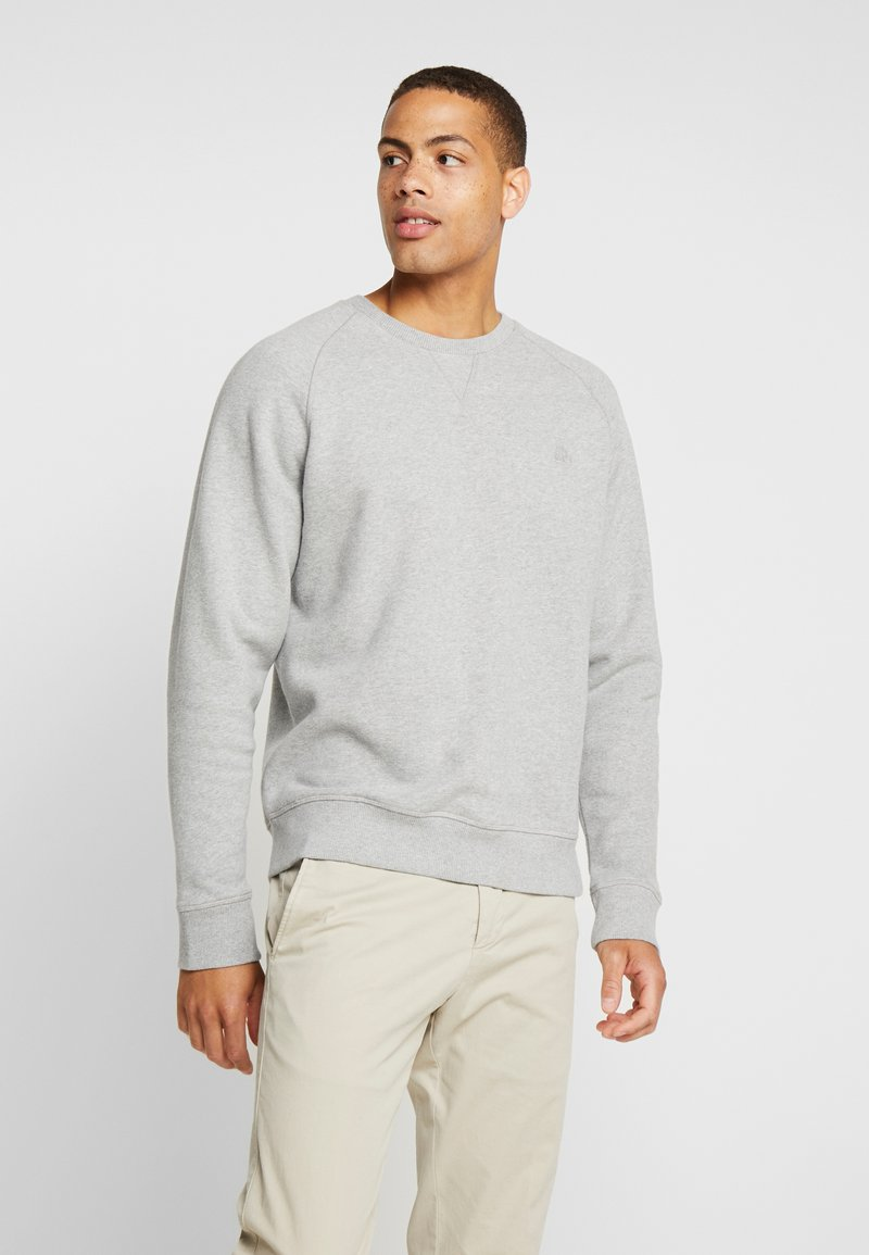 Timberland - EXETER RIVER BASIC CREW - Sweatshirt - medium grey heather