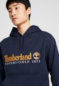 Timberland - ESSENTIAL ESTABLISHED HOODIE  - Hoodie - dark sapphire - 3