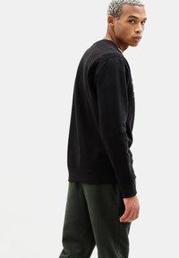 Timberland - ESSENTIAL - Sweatshirt - black - 2