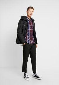 Timberland - THERMA RANGE ULTIMATE WINTER - Cappotto invernale - black - 1