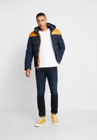 Timberland - UPDATE SOUTH TWIN JACKET - Winterjas - dark sapphire/wheat boot - 1