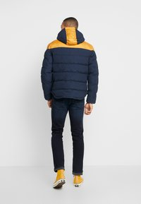 Timberland - UPDATE SOUTH TWIN JACKET - Winterjas - dark sapphire/wheat boot - 2