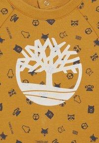 Timberland - BABY COMBINAISON - Jumpsuit - yellow boots - 3