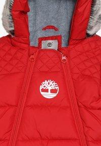 Timberland - BABY COMBINAISON PILOTE - Snowsuit - tomate - 6