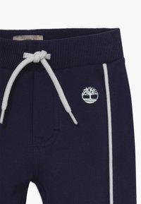 Timberland - Spodnie materiałowe - navy - 3