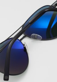 Timberland - Sluneční brýle - matte black/green - 4