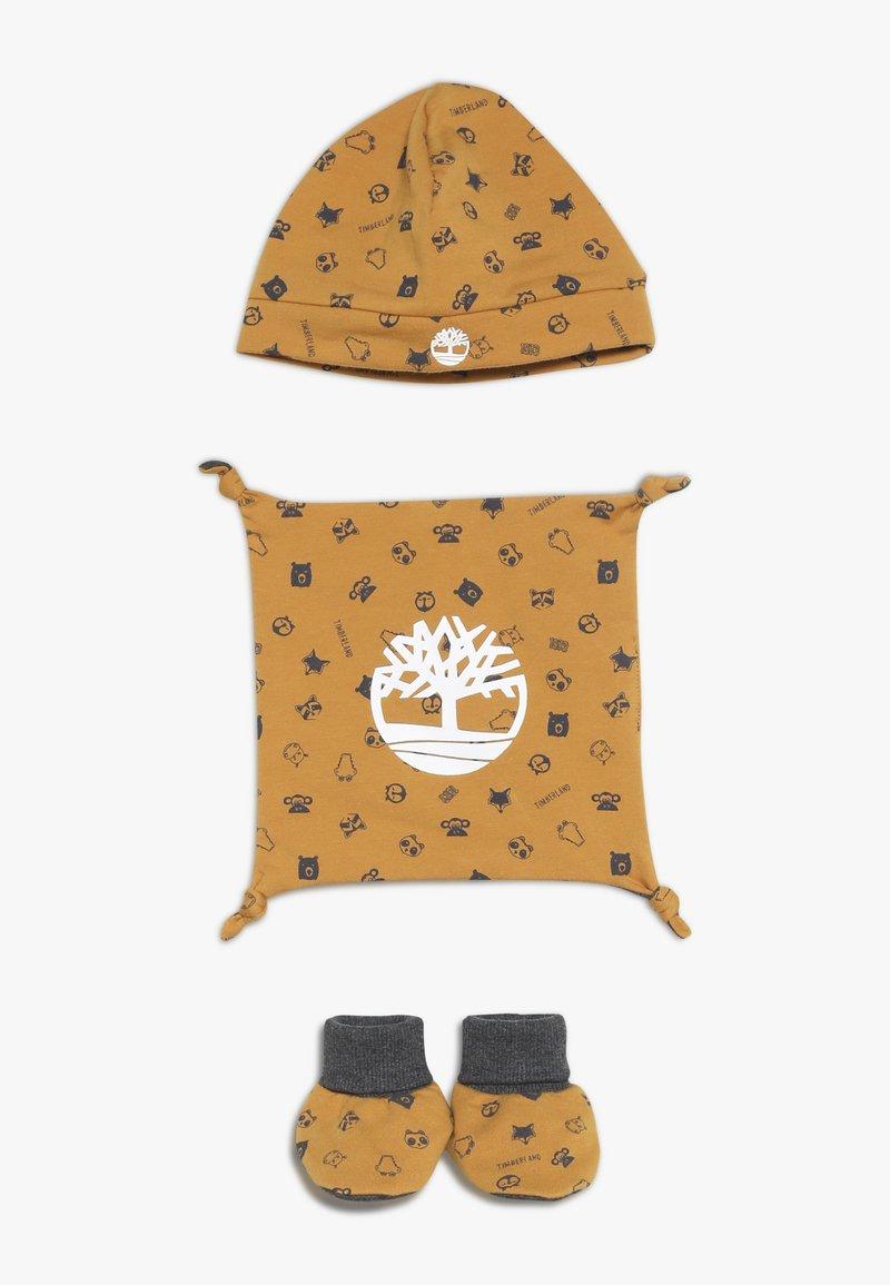 Timberland - BABY BONNET CHAUSSONS DOUDOU SET - Lue - camel
