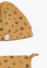 Timberland - BABY BONNET CHAUSSONS DOUDOU SET - Lue - camel - 2