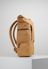 Timberland - ROLL TOP BACKPACK - Batoh - iced coffee - 3