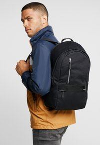Timberland - CLASSIC BACKPACK - Tagesrucksack - black - 1
