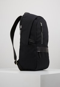 Timberland - CLASSIC BACKPACK - Tagesrucksack - black - 3