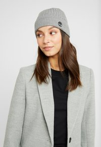 Timberland - SOLID RIB BEANIE - Mütze - light grey heather - 3