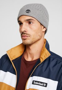 Timberland - SOLID RIB BEANIE - Mütze - light grey heather - 1