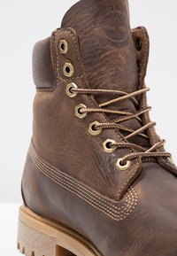 Timberland - HERITAGE 6 INCH - Winter boots - brown