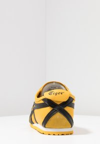 Onitsuka Tiger - MEXICO 66 - Sneakers laag - yellow/black - 3