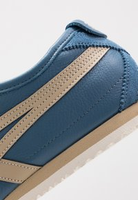 Onitsuka Tiger - MEXICO 66 - Baskets basses - winter sea/wood - 5