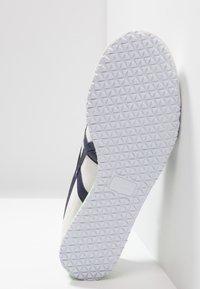 Onitsuka Tiger - MEXICO - Sneakers - white/peacoat - 4