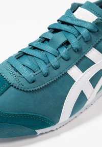 Onitsuka Tiger - MEXICO - Baskets basses - spruce green/white - 5