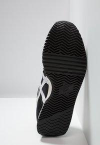 Onitsuka Tiger - NEW YORK - Sneakers laag - black/white - 4