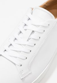 Tiger of Sweden - SALASI - Sneakers laag - white - 2