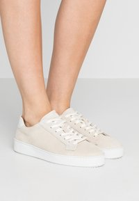 Tiger of Sweden - SALASI  - Sneakers laag - offwhite - 0