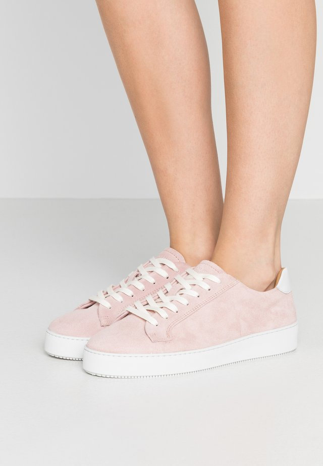 SALASI  - Sneaker low - almond blossom