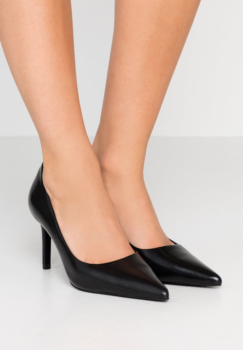 Tiger of Sweden - XERO - Classic heels - black