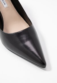 Tiger of Sweden - XERO - Classic heels - black - 2