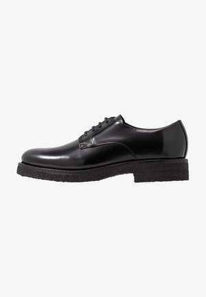 SENNIT - Lace-ups - black